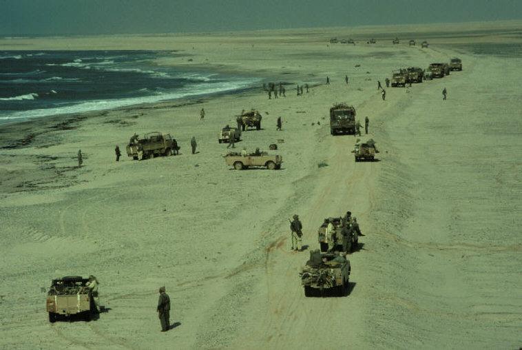 Le conflit armé du sahara marocain - Page 2 Sahara48