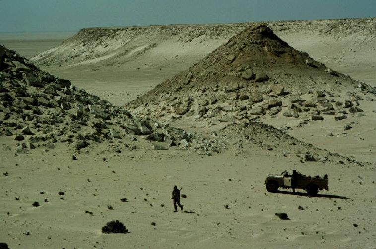 Le conflit armé du sahara marocain - Page 2 Sahara49