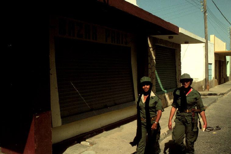 Le conflit armé du sahara marocain - Page 2 Sahara51