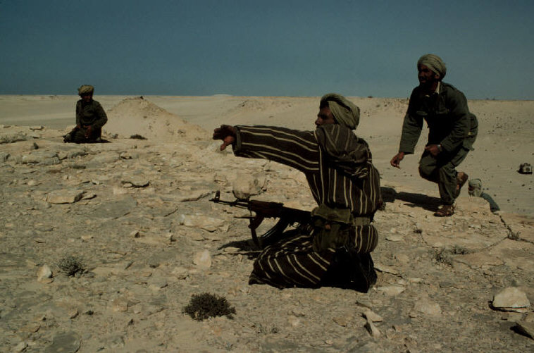 Le conflit armé du sahara marocain - Page 2 Sahara52