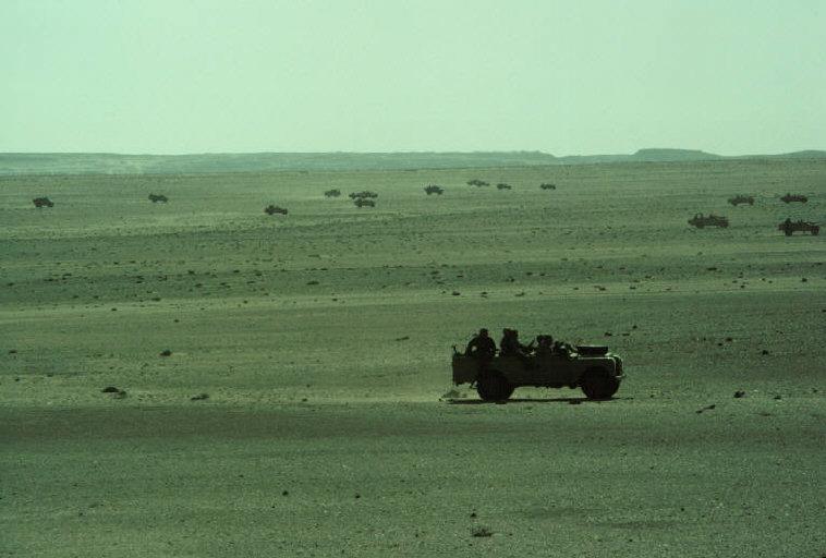 Le conflit armé du sahara marocain - Page 2 Sahara53
