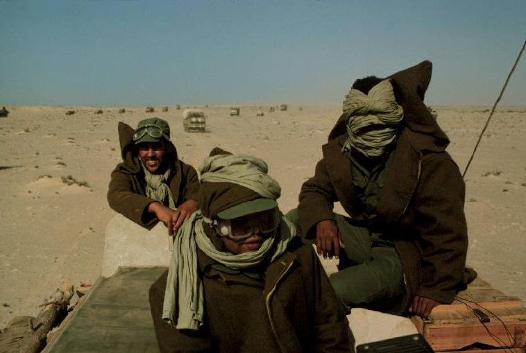 Le conflit armé du sahara marocain - Page 2 Sahara56