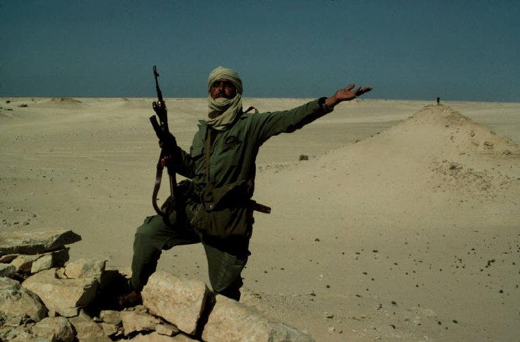 Le conflit armé du sahara marocain - Page 2 Sahara57