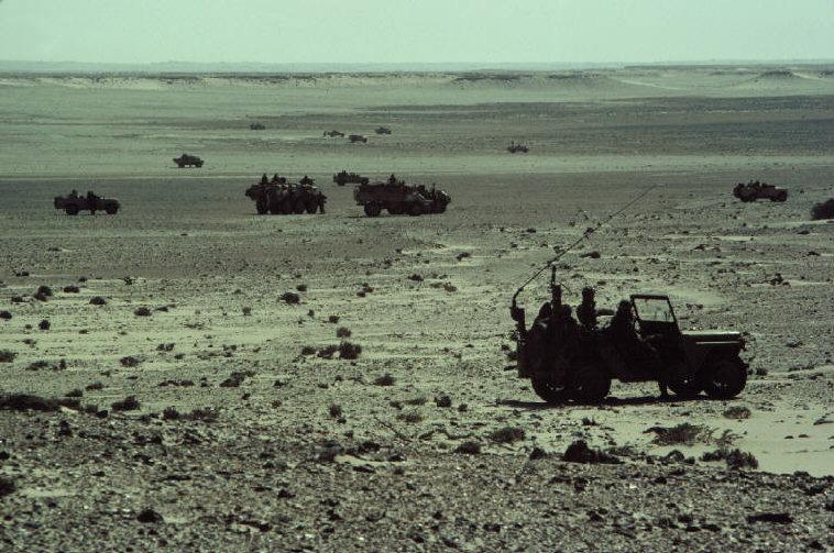 Le conflit armé du sahara marocain - Page 2 Sahara61