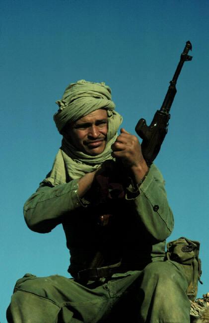Le conflit armé du sahara marocain - Page 2 Sahara66