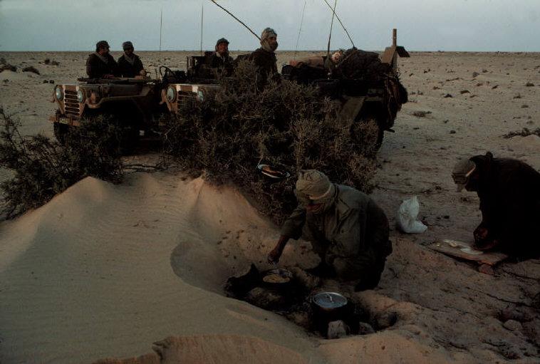 Le conflit armé du sahara marocain - Page 2 Sahara67