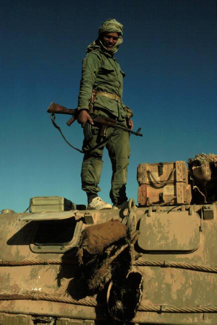 Le conflit armé du sahara marocain - Page 2 Sahara70
