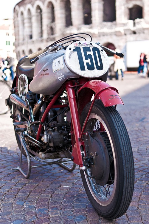 Guzzi... juste l'essentiel des Café Racer 2, la suite... - Page 2 Tumblr38