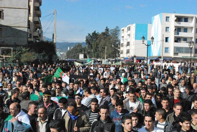 Photos Marche du RCD (Bgayet un 29 janvier 2011) - Page 2 16374311