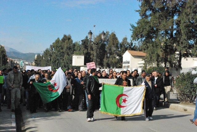Photos Marche du RCD (Bgayet un 29 janvier 2011) - Page 2 18029512