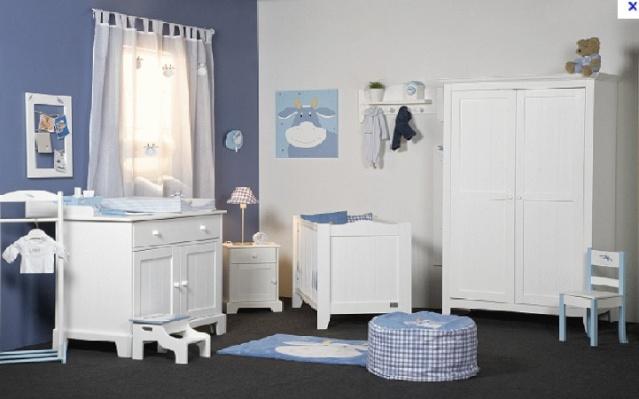 Petite chambre bébé garçon sous combles Sans_t13