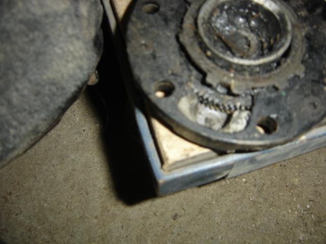 [Question] Charbon moyeux électriques sur LJ73 Dsc06611