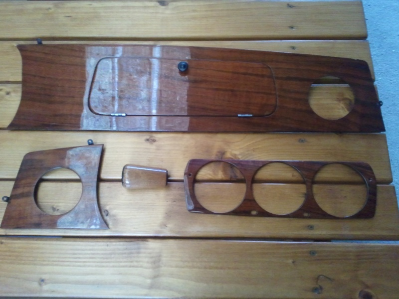 Tableau de bord en bois 2013-013