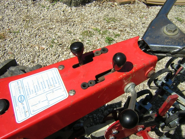 Les motoculteurs Bouyer type 334 de Laurent Dscn4322