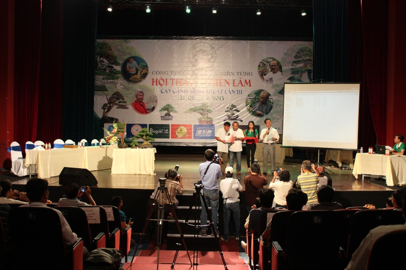 Vietnam International bonsai show - Page 2 Img_3512