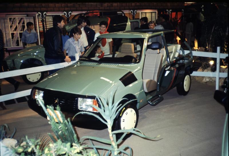 "Citroën  ""Aventure""  2CV VISA MEHARI A4X4  ACADIANE  C25  Leroy-76"