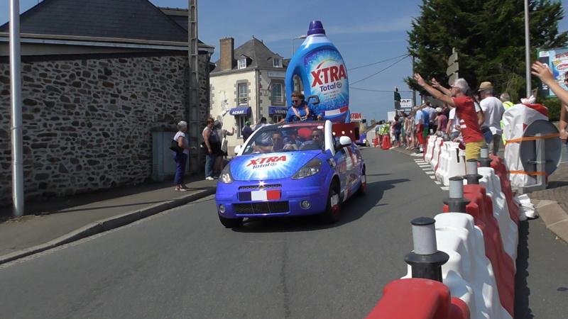 TOUR DE FRANCE à Mayenne (53) S3840010