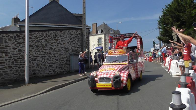 TOUR DE FRANCE à Mayenne (53) S3840012