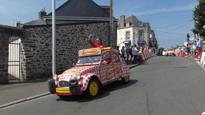 TOUR DE FRANCE à Mayenne (53) S3840013