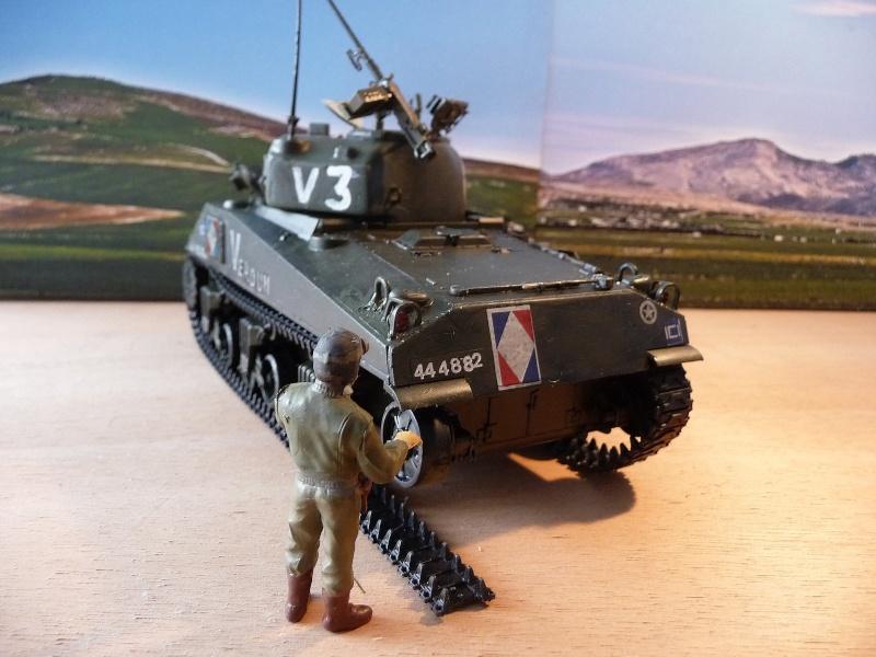 """SHERMAN M4A4  """" VERDUN"""" qui vient de décheniller!... P1040712"""