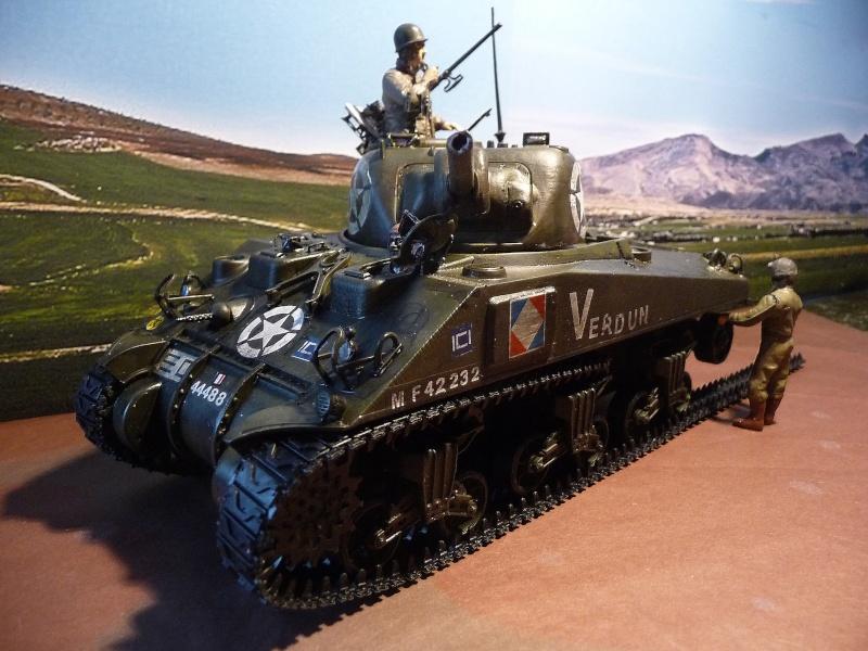 """SHERMAN M4A4  """" VERDUN"""" qui vient de décheniller!... P1040715"""