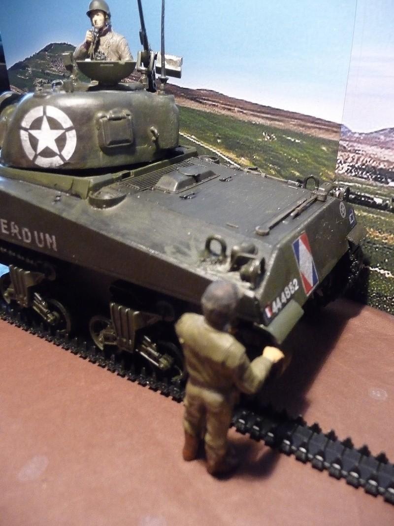 """SHERMAN M4A4  """" VERDUN"""" qui vient de décheniller!... P1040718"""