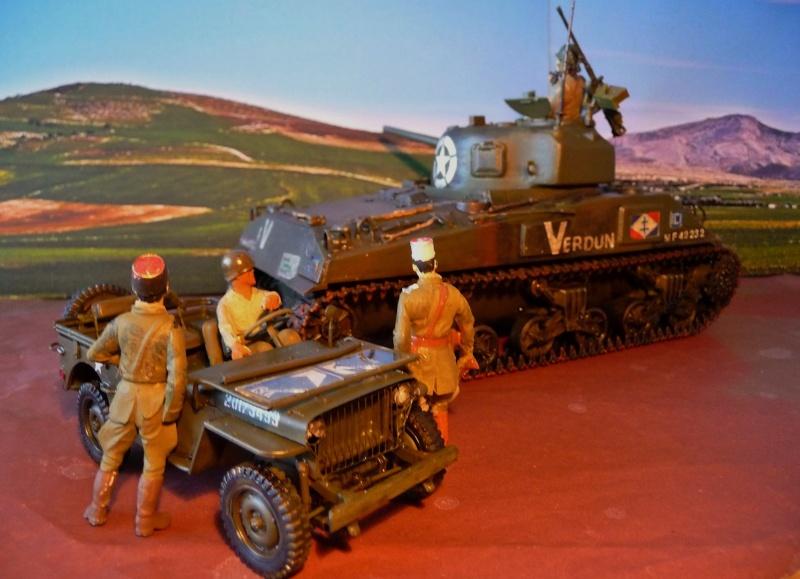 """SHERMAN M4A4  """" VERDUN"""" qui vient de décheniller!... P1040721"""