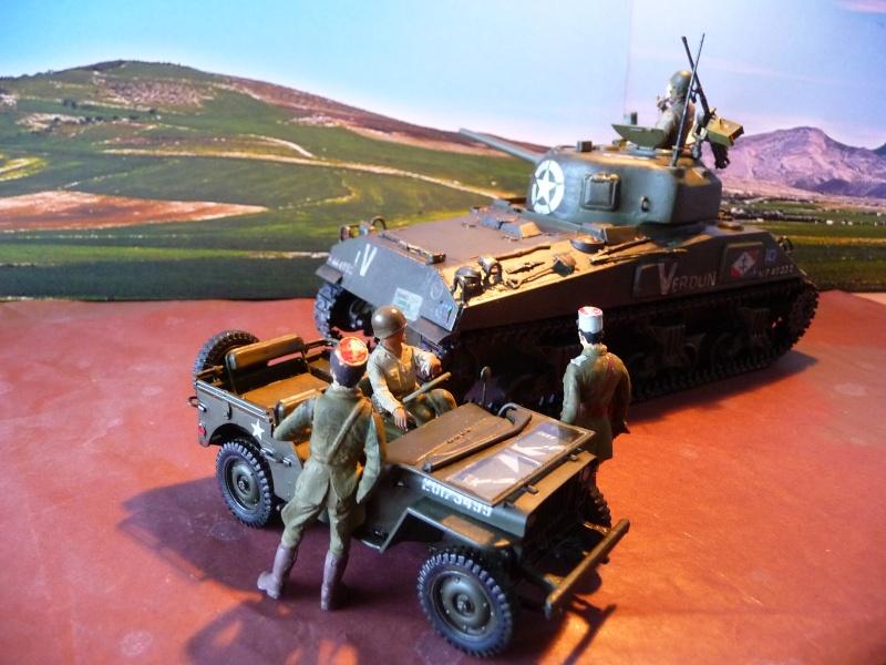 """SHERMAN M4A4  """" VERDUN"""" qui vient de décheniller!... P1040722"""