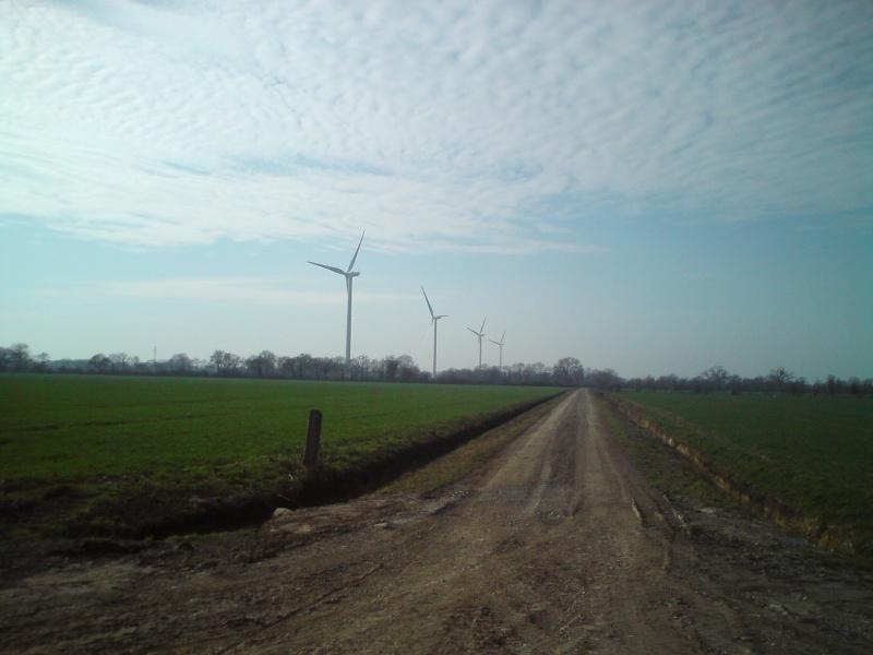 Au pied d'une éolienne 1b11