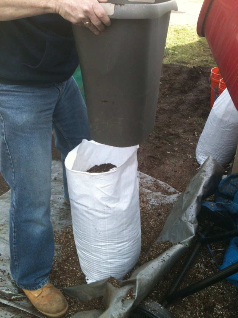 Bulk compost - how to bag them myself without a truck? Img_0312