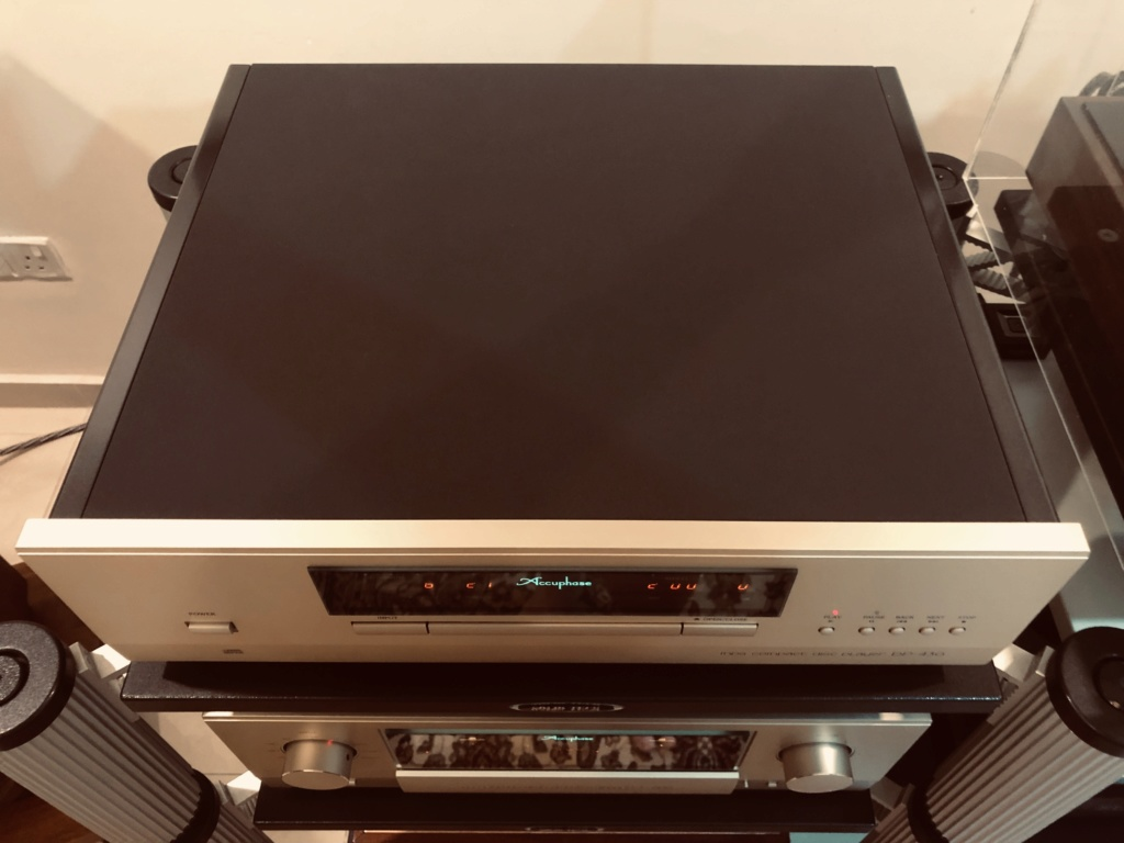 Accuphase MDS Compact Disc player DP430 (+DAC) Img_2211