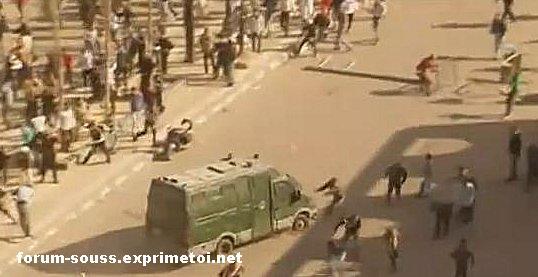 La police Egyptienne en deroute massacre les gens Egypt_13