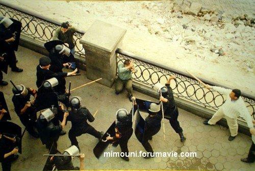 La police Egyptienne en deroute massacre les gens Egypte10