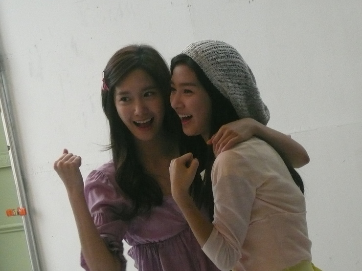 Kim So Eun and YoonA @ Clean n Clear CF Recording Pictures Yoong311