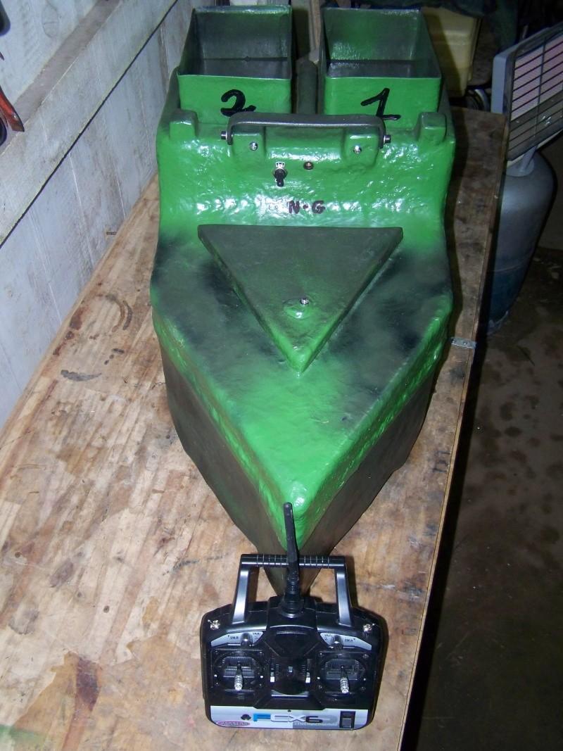 mes bricolages ( bateau amorceur, rod pod, etc ..) 102_3212