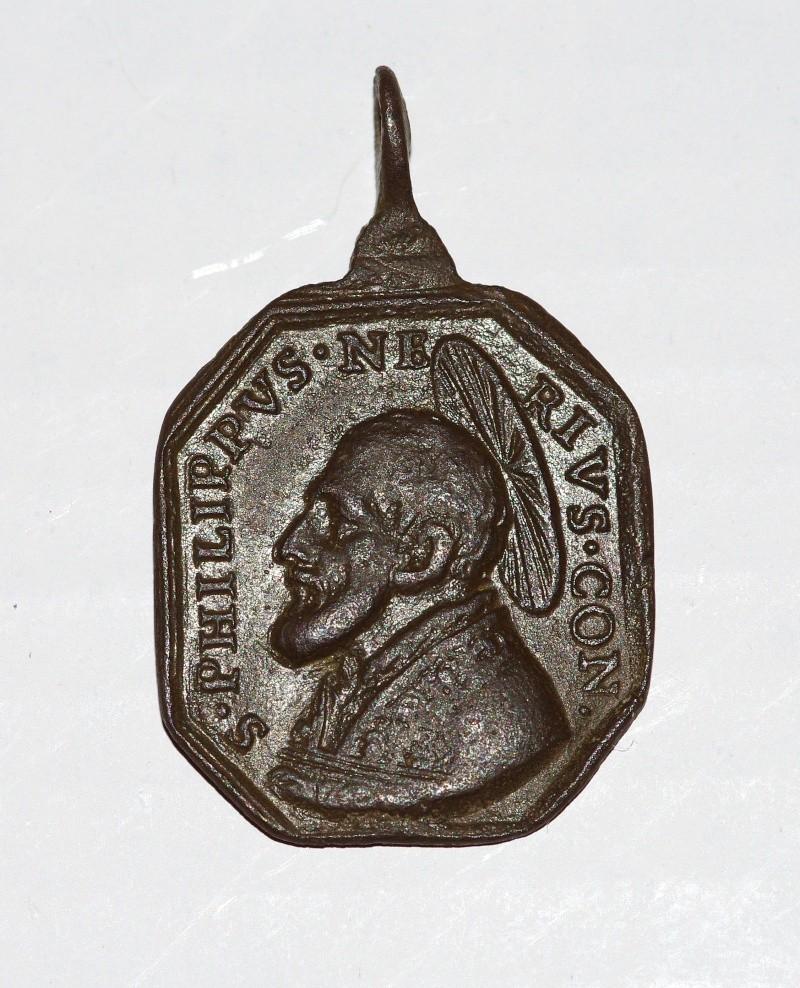 Jolie médaille St-Philippe-de-Néri / Notre-mère-salvatrice - datation après 1622 Med110
