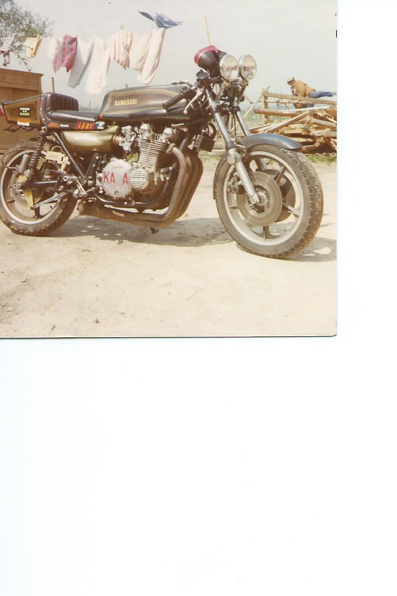 quelques photos retrouvées  des  motos du paternel  211