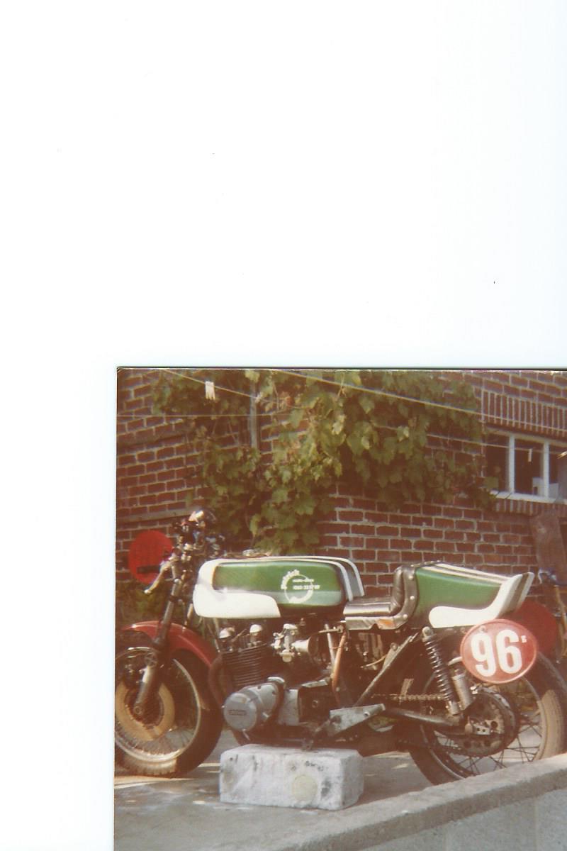 quelques photos retrouvées  des  motos du paternel  Scan15