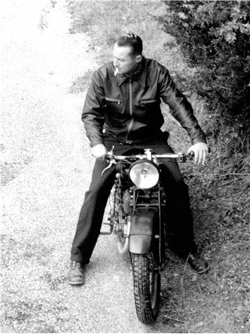 Les motos dans la Résistance Moto10