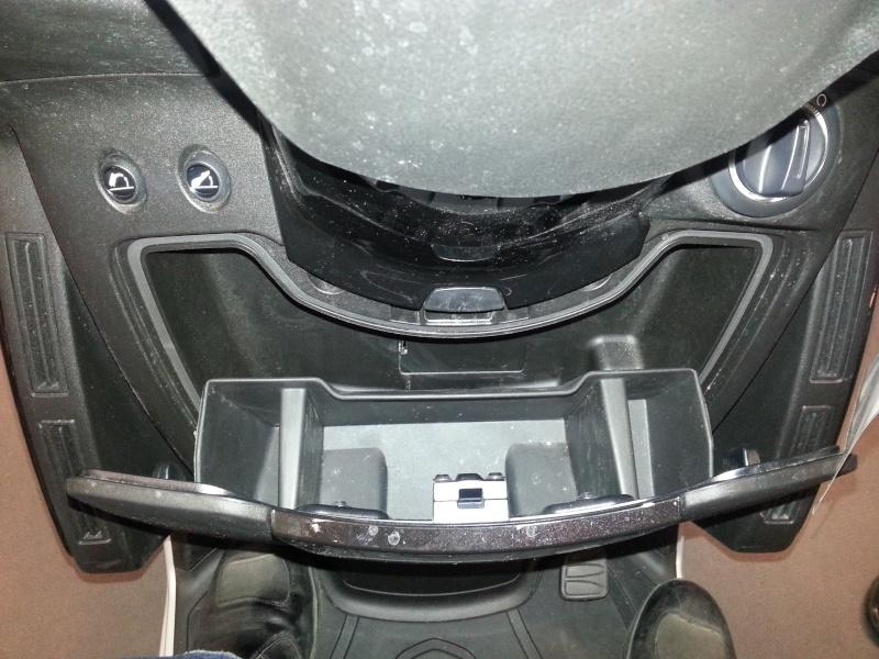 Essai statique du Peugeot Metropolis 400 20130418