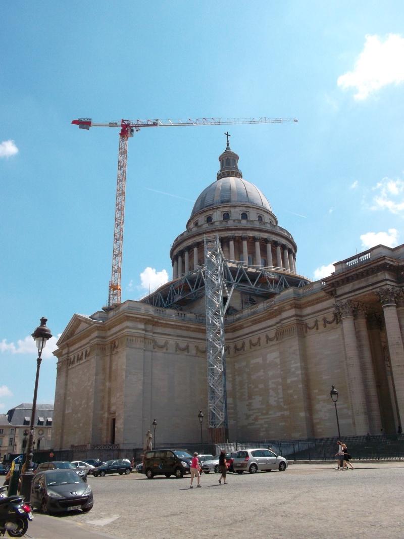 une petite grue très haute à Paris. Sam_1877
