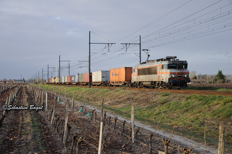 Photos et vidéos de la ligne Bordeaux - Toulouse - Narbonne - Sète (2007-2013) - Page 38 Dsc_2710