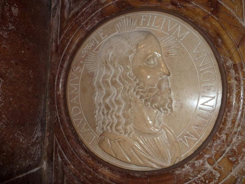 Chapelle Alchimique en l'Eglise de Pesmes (haute Saône 70) P1020121