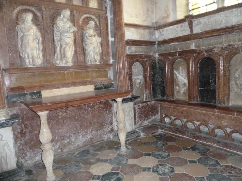 Chapelle Alchimique en l'Eglise de Pesmes (haute Saône 70) P1020123