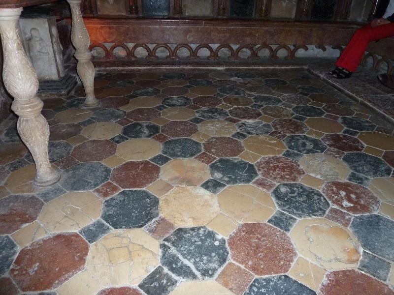 Chapelle Alchimique en l'Eglise de Pesmes (haute Saône 70) P1020124