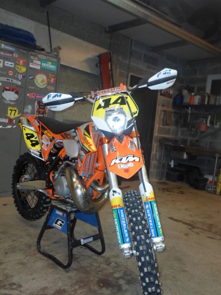 Moto prete pour Warnant !!!! Moto_211