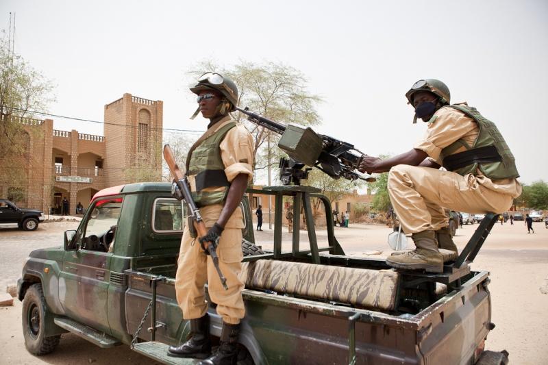 Armée nationale Burkinabé / Military of Burkina Faso - Page 2 0ab210
