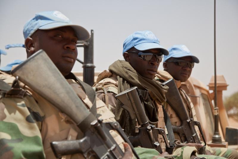 Armée Sénégalaise - Page 5 0asene10