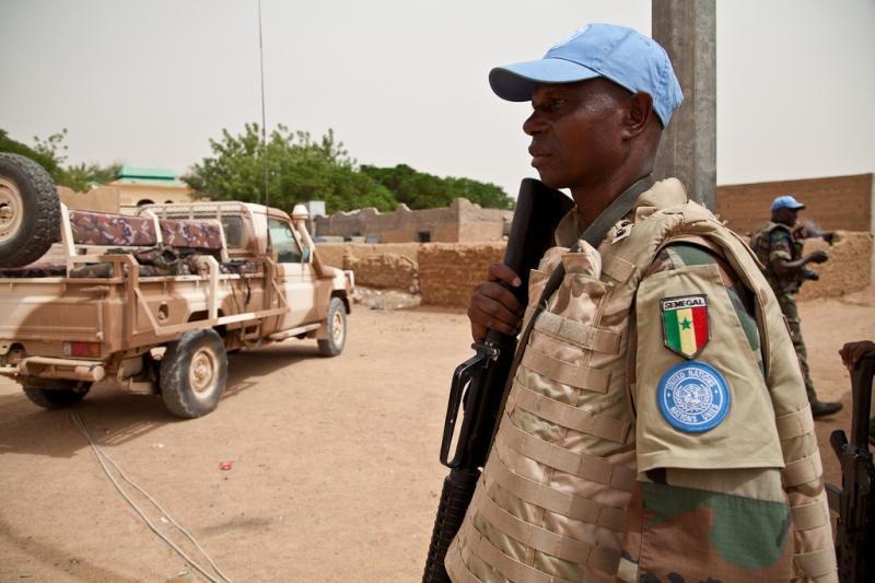 Armée Sénégalaise - Page 5 0asene15