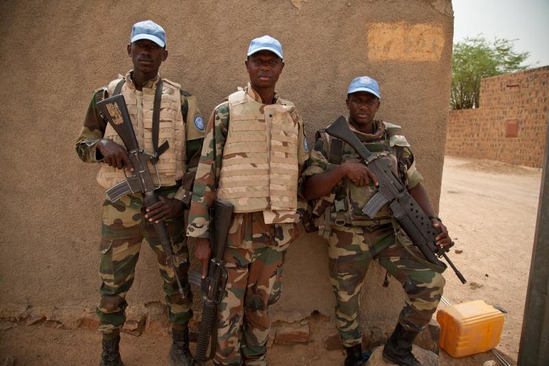 Armée Sénégalaise - Page 5 0asene16